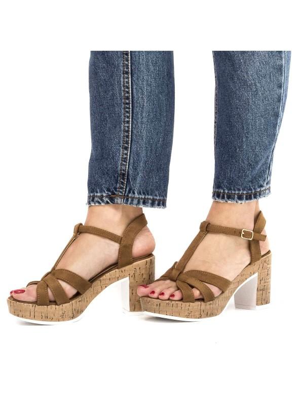 Sandalias hechas para el verano-