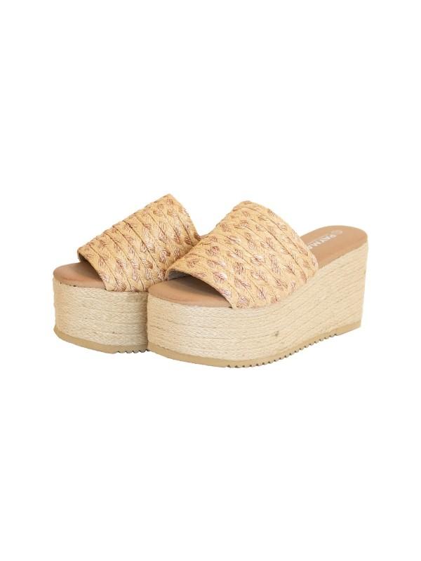 Sandalia de cuñas maxi
